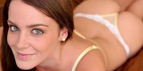Frivole Treffen mit sexy Studentin